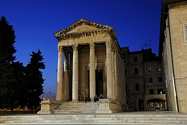 Night shot of the temple of Roma and Augustus in Pula, Croatia, Europe