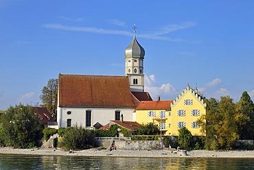 Wasserburg on Lake Constance with the Catholic parish church of St. Georg, Bavaria, Germany, Europe