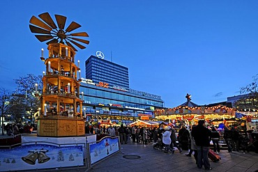 Christmas pyramid at the Christmas market in front of the Europa-Center building, Breitscheidplatz square, Berlin, Germany, Europe