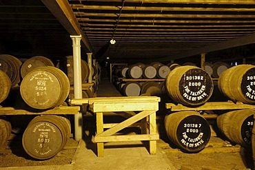 Talisker distillery, single malt whisky, Skye Island, Highlands region, Scotland, United Kingdom, Europe