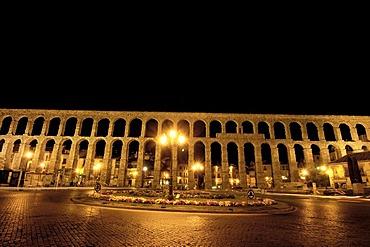 Roman aqueduct at night, Segovia, Castilla-Leon, Spain, Europe