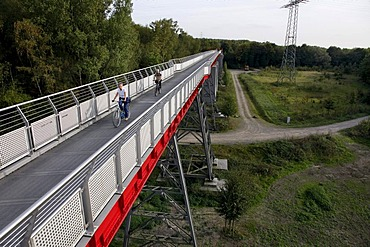Pfeilerbruecke bridge from 1919, Gelsenkirchen, Erzbahntrasse line, Ruhrgebiet region, North Rhine-Westphalia, Germany, Europe