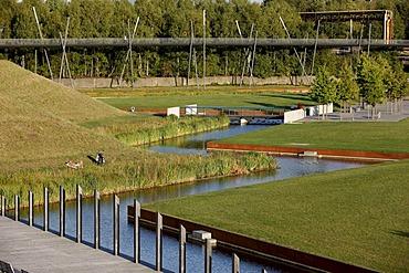 Bridge in the Westpark at the Jahrhunderthalle event hall in Bochum, Erzbahntrasse line, North Rhine-Westphalia, Germany, Europe