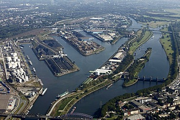 Duisport, port and logistics center, Ruhrort inland port on the river Rhine, considered the world's largest inland port, Duisburg, North Rhine-Westphalia, Germany, Europe