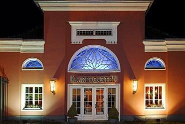 Restaurant Kaisergarten in the Schloss Oberhausen palace, Ruhrgebiet region, North Rhine-Westphalia, Germany, Europe