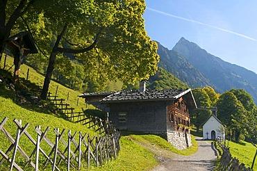 Gerstruben with Hoefats Mountain near Oberstdorf, Allgaeu, Bavaria, Germany, Europe
