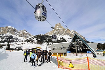 Alta Badia ski resort, Sella Ronda ski trail, Val Gardena, Alto Adige, Italy, Europe