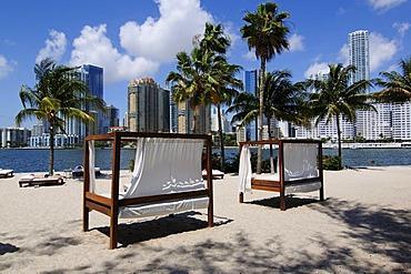 Mandarin Oriental Hotel, Brickell Key Drive, Downtown Miami, Florida, USA