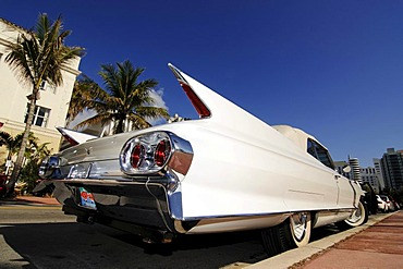 Chevrolet with tail fins, Ocean Drive, Miami South Beach, Art Deco district, Florida, USA
