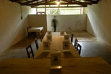 History, furnished cave of the Communist Pathet Lao resistance fighters, table and chairs, old photos of politicians, Tham Than Kaysone Phomvihane, Vieng Xai, Houaphan province, Laos, Southeast Asia, Asia