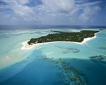 Sun Island, Nalaguraidhoo, aerial photograph, Ari Atoll, Maldives, Indian Ocean