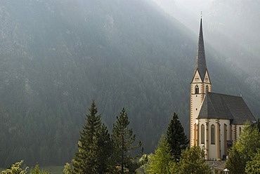 Church of Heiligenblut at Mt. Grossglockner in the Nationalpark Hohe Tauern national park, Carinthia, Austria