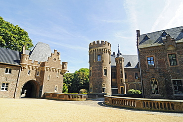 Schloss Paffendorf castle, moated castle, Bergheim, Rhineland, North Rhine-Westphalia, Germany, Europe