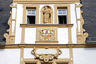 Coat of arms, Schloss Neuhaus, moated castle, Weser Renaissance, Paderborn, North Rhine-Westphalia, Germany, Europe