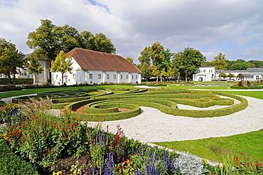 Baroque garden, municipal gallery, riding hall, Schloss Neuhaus, moated castle, Weser Renaissance, Paderborn, North Rhine-Westphalia, Germany, Europe