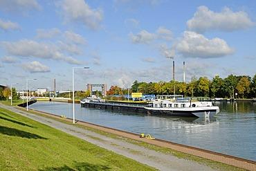 Cargo ship, Henrichenburg boat lift, Schleusenpark, Waltrop Lock Park, Westphalian Industrial Museum, Route of Industrial Heritage, Dortmund Ems Canal, Waltrop, North Rhine-Westphalia, Germany, Europe