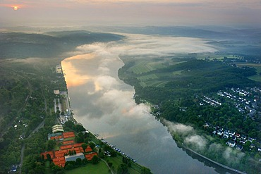 Aerial photo, Ruhr River with morning mist between Kupferdreh, Heisingen, Werden and Kettwig, Essen, Ruhr area, North Rhine-Westphalia, Germany, Europe