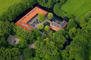 Aerial photo, Haus Luettinghoff restoration workshop, moated casatle, museum, conference venue, Buer, Gelsenkirchen, Ruhrgebiet area, North Rhine-Westphalia, Germany, Europe