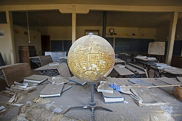 Old globe in a school, Bodie State Park, ghost town, mining town, Sierra Nevada Range, Mono County, California, USA