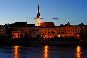 Brucktor, castle gate, and Frauenkirche, Our Lady's church, above the river Inn, Wasserburg upon the river Inn, Upper Bavaria, Germany, Europe