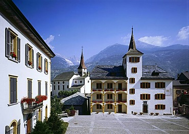 Haus Inalbon house next to the the Saint Martin church, Visp, Canton of Valais, Switzerland, Europe