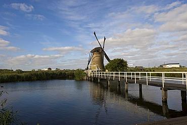 Polder mill, Kinderdijk, South Holland, Holland, Netherlands, Europe