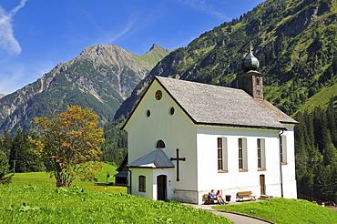 Mountain Church of St. Martin in Baad, Kleinwalsertal, Little Walser Valley, Vorarlberg, Allgaeu Alps, Austria, Europe