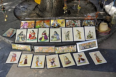 Stall on the street with Indian miniature paintings, Udaipur, Rajasthan, North India, India, South Asia, Asia