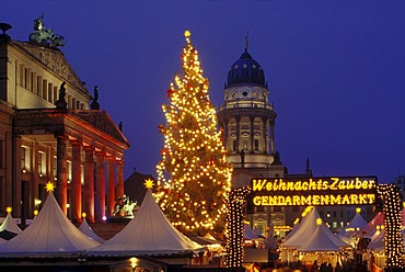 Christmas magic, Christmas market on the Gendarmenmarkt square, Schauspielhaus theatre, French Cathedral, Berlin Mitte district, Berlin, Germany, Europe
