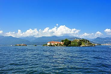 Isola Bella and Isola dei Pescatori islands, Borromean Islands, Stresa, Lago Maggiore lake, Piedmont, Italy, Europe
