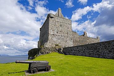 Duart Castle, Craignure, Isle of Mull, Scotland, United Kingdom, Europe