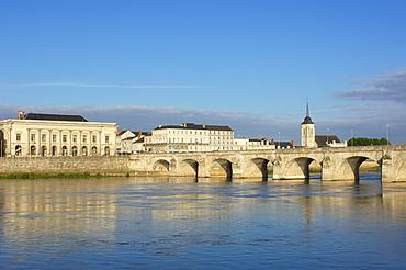 Stone bridge over Loire River, Maine-et-Loire, Saumur, Loire Valley, France, Europe