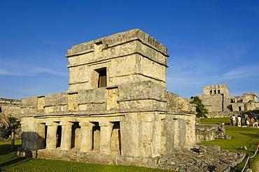 The castle, El Castillo, Mayan ruins of Tulum, 1200-1524, Tulum, Quintana Roo state, Mayan Riviera, Yucatan Peninsula, Mexico