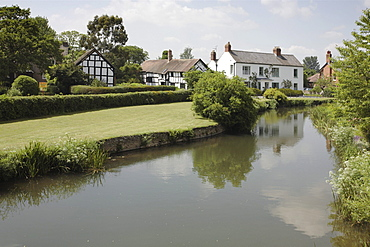 Eardisland village, with timber framed houses, part of The Black and White Village Trail, Herefordshire, England, United Kingdom, Europe