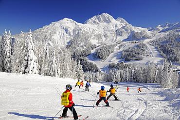 Skiing class, children's group, Nassfeld, Hermagor, Carinthia, Austria, Europe