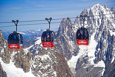 Cable car between Aiguille du Midi and Punta Helbronner, Funivie Monte Bianco, Mont Blanc Funicular, Vallee Blanche Aerial Tramway, Mont Blanc Massif, Alps, Europe