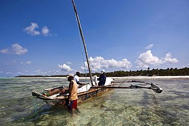 Arab dhow being prepared for sailing, Zanzibar, Tanzania, Africa