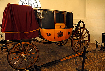 """Dress coach, carriage for special occasions, from 1830, """"Boughton House"""", Geddington, Kettering, Northamptonshire, England, United Kingdom, Europe"""