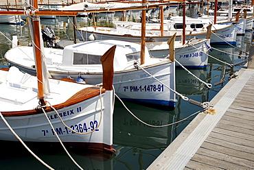 Sailing boats in the marina, Puerto Soller, Port de Soller, Mallorca, Majorca, Balearic Islands, Mediterranean Sea, Spain, Europe