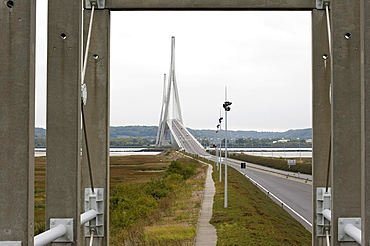 Pont du Normandie, bridge at the mouth of the Seine River near Le Havre, architect Michel Virlogeux, cable-stayed bridge with the largest span in Europe of 856 m, France, Europe