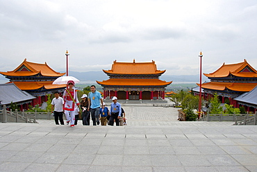 Tourism, guided tour, group of Chinese tourists with guide, Chongsheng Temple, Dali, Yunnan Province, People's Republic of China, Asia
