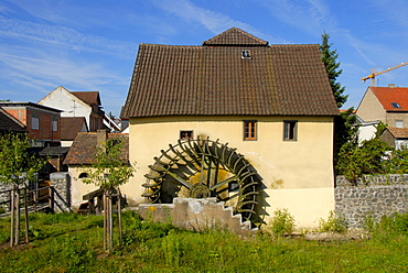 Old mill with a mill-wheel, bridge mill, Muehlheim am Main, Hesse, Germany, Europe
