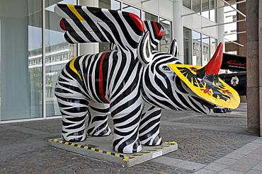 Heraldic animal in front of the town hall, Dortmund, North Rhine-Westphalia, Germany, Europe
