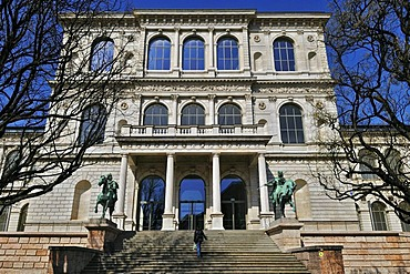 Academy of Fine Arts with riders equestrian statues of Castor and Pollux by Max von Widnmann, Munich, Bavaria, Germany, Europe