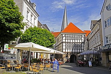 Old Town Hall, streets cafes, old town, half-timbered, frame houses, Hattingen, NRW, North Rhine-Westphalia, Germany, Europe