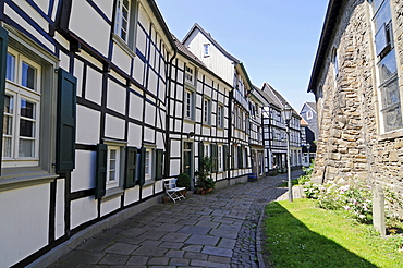 Church of St. George, half-timbered houses, historic town, Hattingen, North Rhine-Westphalia, Germany, Europe