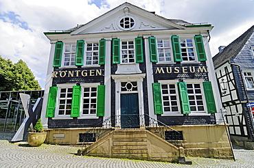 Deutsches Roentgen Museum, half-timbered house, slate, Lennep, Remscheid, Bergisches Land area, North Rhine-Westphalia, Germany, Europe