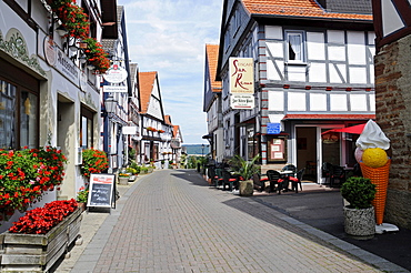 Shopping street, restaurants, half-timbered houses, Waldeck, Hesse, Germany, Europe