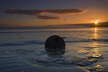 Moeraki Boulders at sunrise, New Zealand