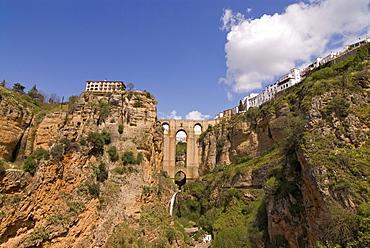The Puente Nuevo, new bridge, crossing the Rio Guadalevin, Ronda, Andalusia, Spain, Europe